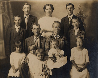Thomas and Mary Rhodes Family portrait